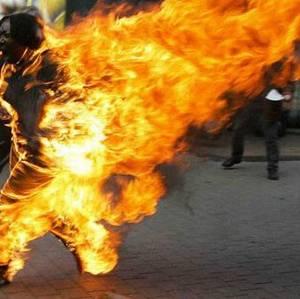 Gafsa: un père de famille tente de se donner la mort dans un rassemblement pour protester contre la cherté de la vie